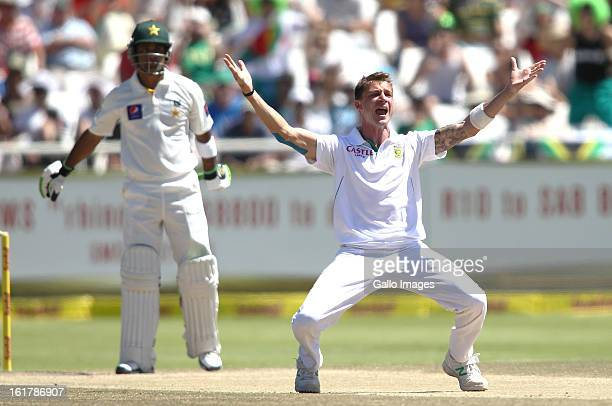 Dale Steyn of South Africa appeals successfully for LBW to get Muhammad Hafeez of Pakistan during day 3 of the 2nd Sunfoil Test match between South...