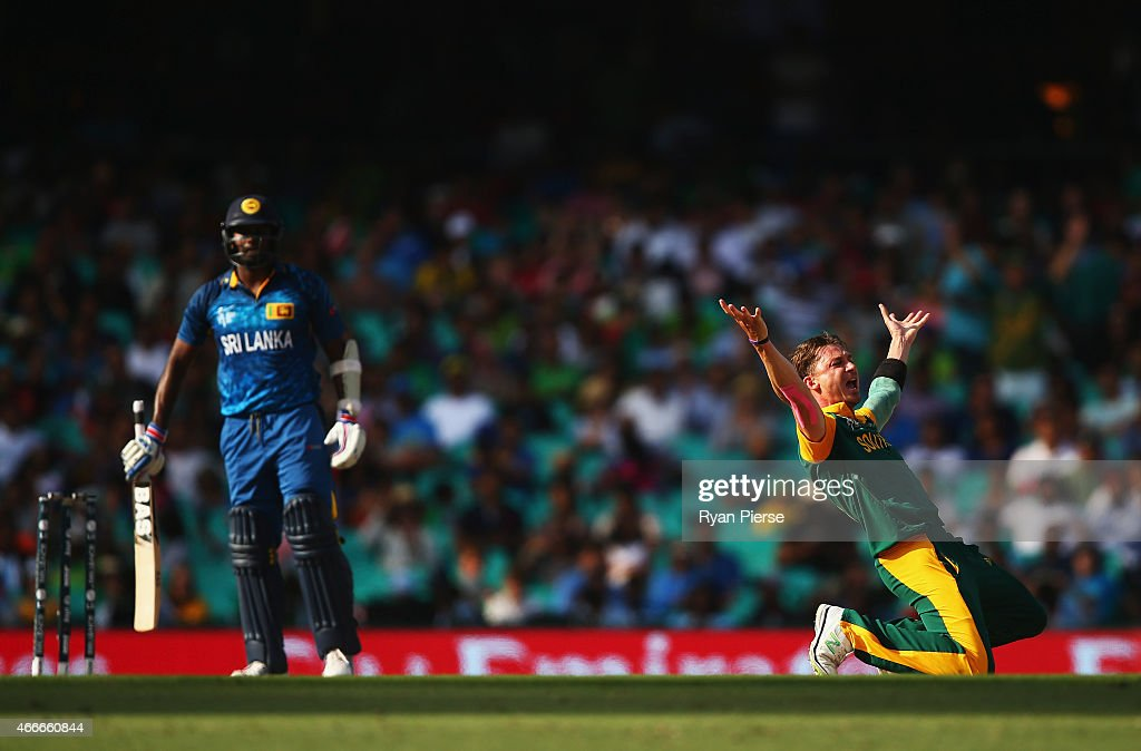 Dale Steyn of South Africa appeals unsuccessfully for the wicket of Angelo Mathews of Sri Lanka during the 2015 ICC Cricket World Cup Quarter Final match between South Africa and Sri Lanka at Sydney Cricket Ground on March 18, 2015 in Sydney, Australia.
