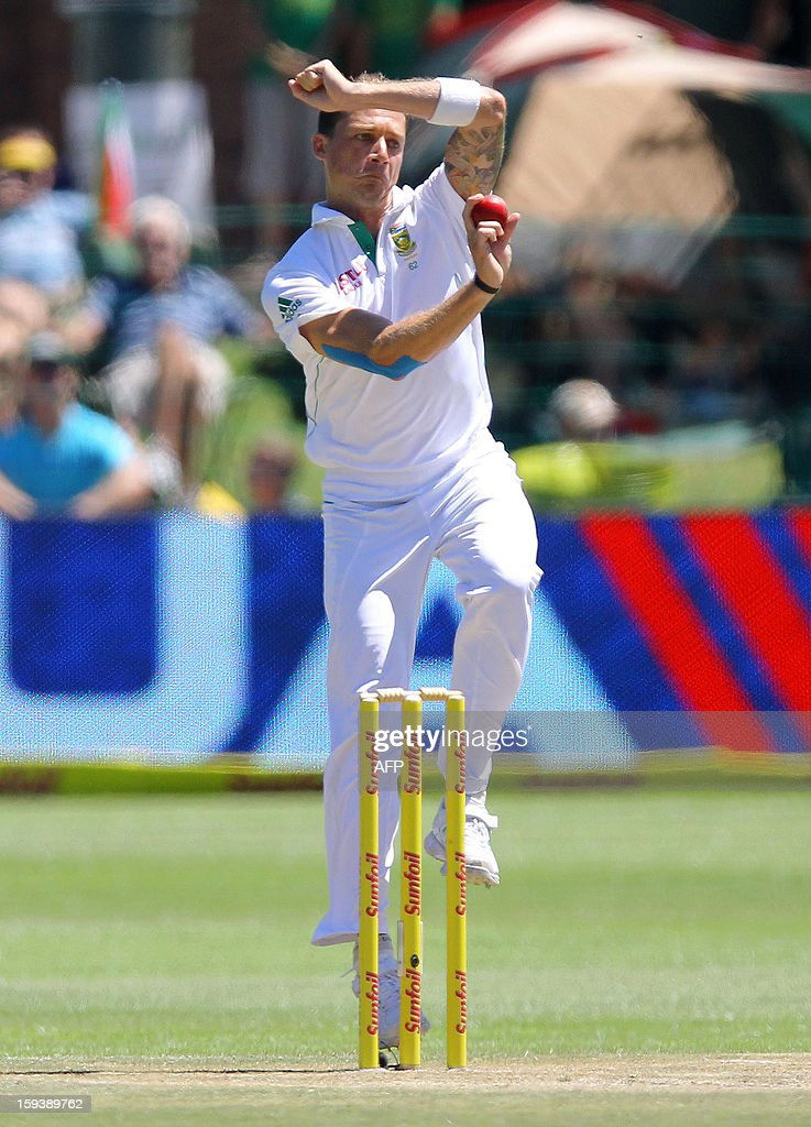 Dale Steyn of South Africa bowls on the third day of the second and final test match between South Africa and New Zealand at the Axxess St George's Cricket Stadium on January 13, 2013 in Port Elizabeth. AFP Photo / Anesh Debiky