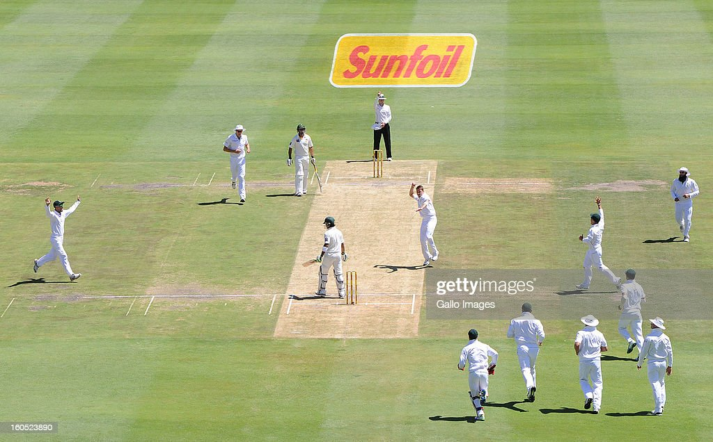 <a gi-track='captionPersonalityLinkClicked' href=/galleries/search?phrase=Dale+Steyn&family=editorial&specificpeople=649553 ng-click='$event.stopPropagation()'>Dale Steyn</a> of South Africa celebrates his first wicket during day 2 of the 1st Test match between South Africa and Pakistan at Bidvest Wanderers Stadium on February 02, 2013 in Johannesburg, South Africa.