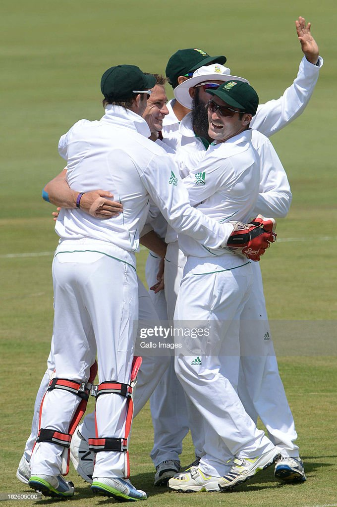 <a gi-track='captionPersonalityLinkClicked' href=/galleries/search?phrase=Dale+Steyn&family=editorial&specificpeople=649553 ng-click='$event.stopPropagation()'>Dale Steyn</a> of South Africa celebrates the wicket of Younis Khan of Pakistan with his team mates during day 3 of the 3rd Test match between South Africa and Pakistan at SuperSport Park on February 24, 2013 in Pretoria, South Africa,