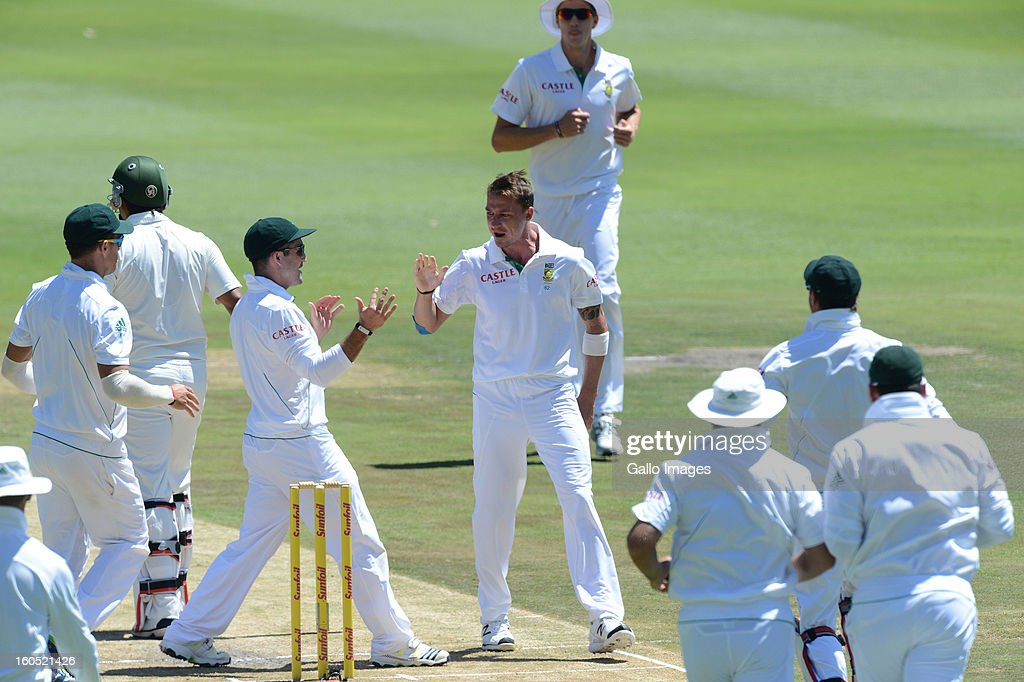 Dale Steyn of South Africa (center R) celebrates wih teammates after trapping Nazir Jamshed of Pakistan lbw for 2 runs during day 2 of the 1st Test match between South Africa and Pakistan at Bidvest Wanderers Stadium on February 02, 2013 in Johannesburg, South Africa.