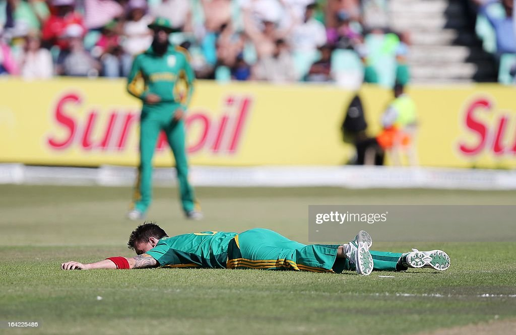 Dale Steyn of South Africa lies on the ground during the ODI match between South Africa and Pakistan at Sahara Stadium Kingsmead on March 21, 2013 in Durban, South Africa. AFP PHOTO / Stringer