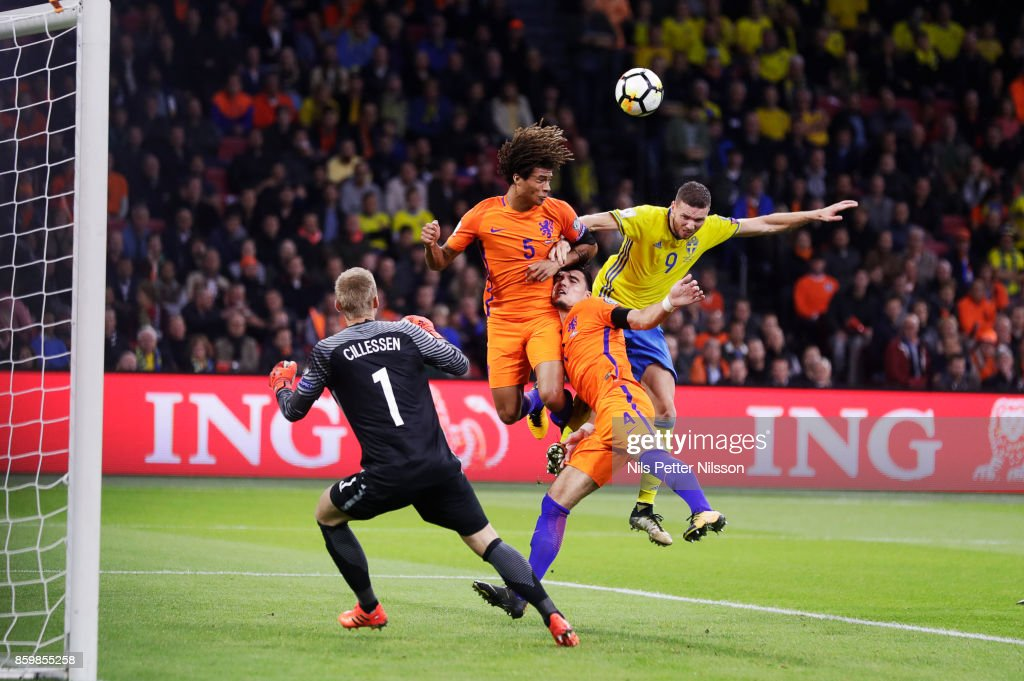 Daley Blind of Netherlands and Marcus Berg of Sweden competes for the ball during the FIFA 2018 World Cup Qualifier between Netherlands and Sweden at Amsterdam ArenA on October 10, 2017 in Amsterdam, Netherlands.