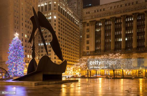 Daley Plaza, Picasso Sculpture, Christmas Tree, Chicago, Illinois, America