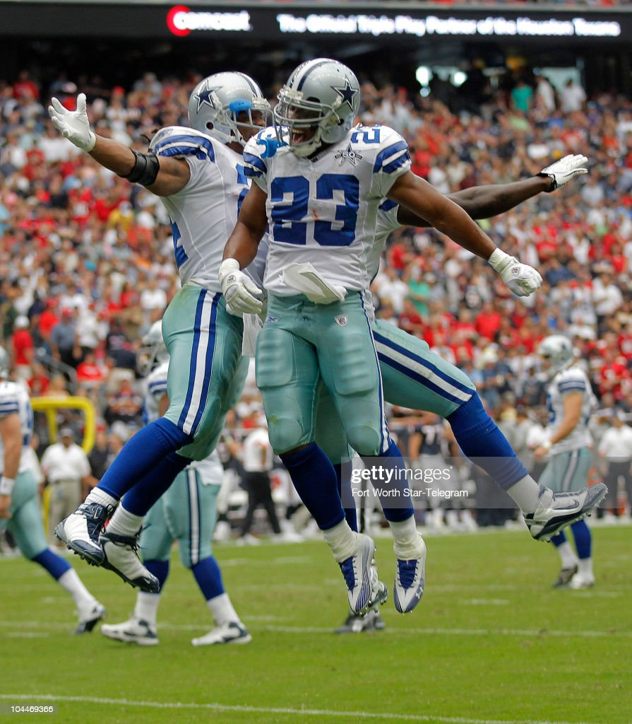 Barber Dallas Cowboys : Dallas Cowboys Marion Barber and Tashard Choice celebrate Barbers ...