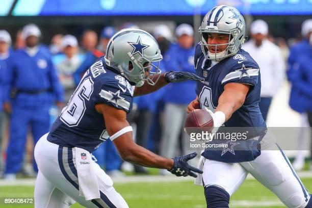 Dallas Cowboys quarterback Dak Prescott hands to ball off to Dallas Cowboys running back Alfred Morris during the National Football League game...