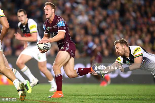 Daly CherryEvans of the Sea Eagles makes break during the NRL Elimination Final match between the Manly Sea Eagles and the Penrith Panthers at...