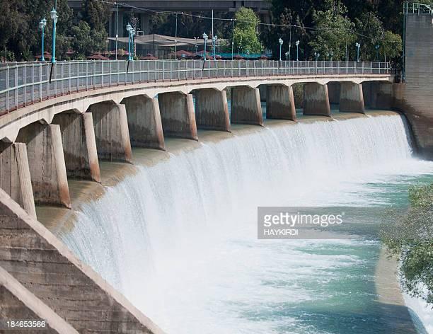 Dam -