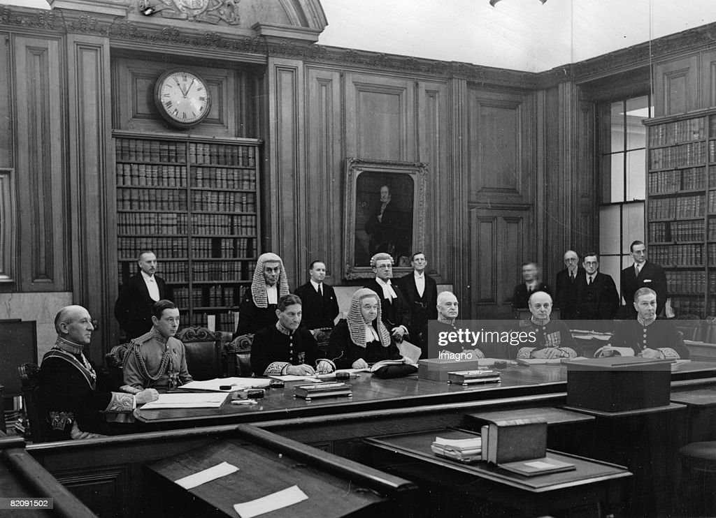 Damage court met in the city hall of the state advice office in Downingstreet London Novomber 25th 1936 [Schadensgericht tagte im Rathaussaal des...