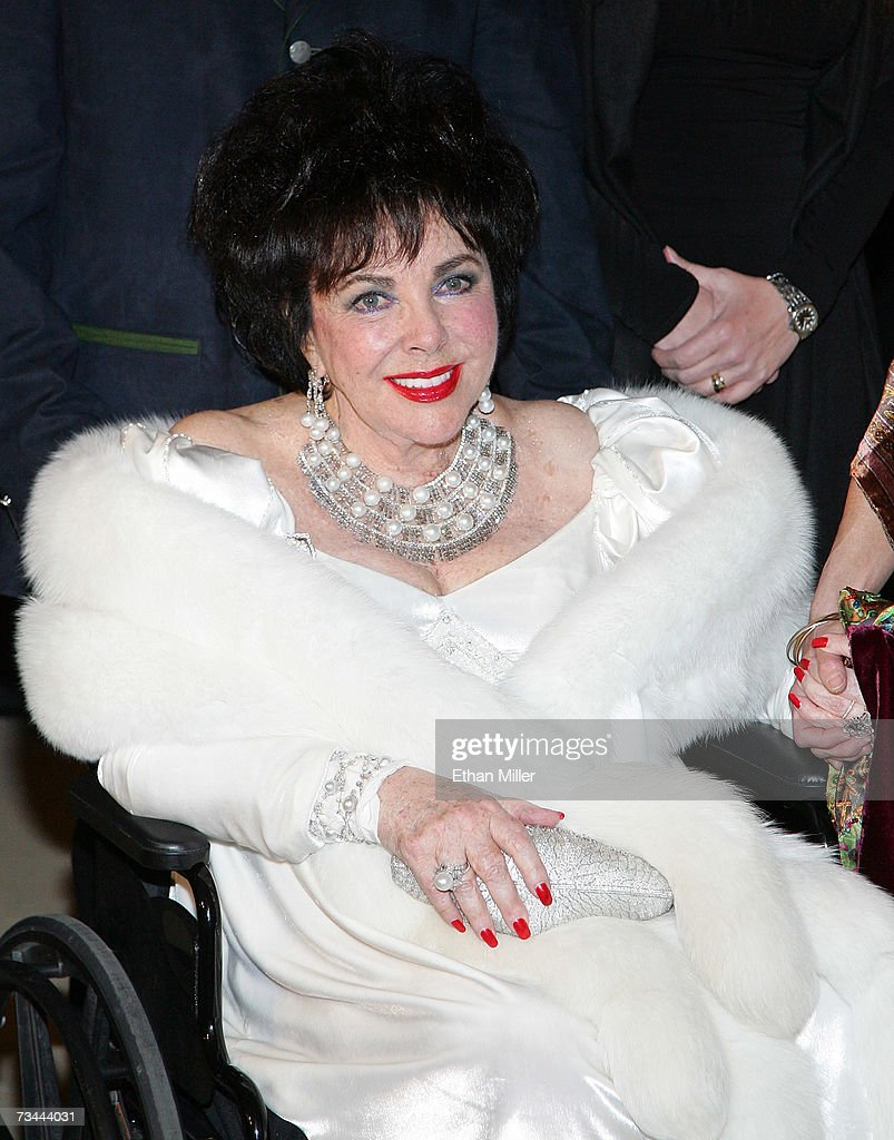 Dame <a gi-track='captionPersonalityLinkClicked' href=/galleries/search?phrase=Elizabeth+Taylor&family=editorial&specificpeople=69995 ng-click='$event.stopPropagation()'>Elizabeth Taylor</a> arrives for her 75th birthday party at the Ritz-Carlton, Lake Las Vegas on February 27, 2007 in Henderson, Nevada.