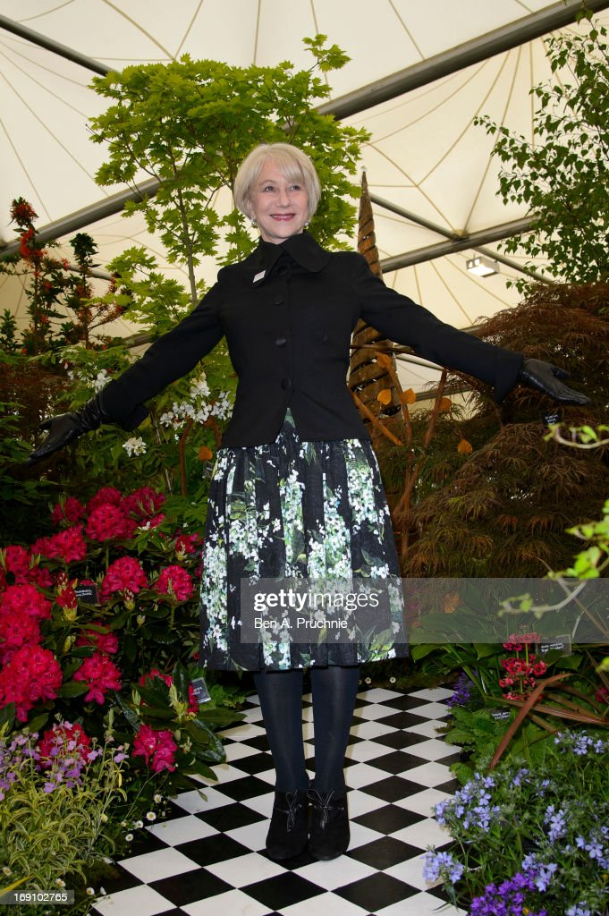 Dame <a gi-track='captionPersonalityLinkClicked' href=/galleries/search?phrase=Helen+Mirren&family=editorial&specificpeople=201576 ng-click='$event.stopPropagation()'>Helen Mirren</a> attends the Chelsea Flower Show press and VIP preview day at Royal Hospital Chelsea on May 20, 2013 in London, England.