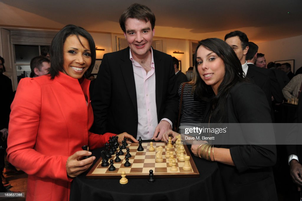 Dame <a gi-track='captionPersonalityLinkClicked' href=/galleries/search?phrase=Kelly+Holmes&family=editorial&specificpeople=213496 ng-click='$event.stopPropagation()'>Kelly Holmes</a>, chess grandmaster Gawain Jones and <a gi-track='captionPersonalityLinkClicked' href=/galleries/search?phrase=Beth+Tweddle&family=editorial&specificpeople=804240 ng-click='$event.stopPropagation()'>Beth Tweddle</a> attend the launch of the 'Urban Chess' Funding Initiative from East Village at Mortons on March 13, 2013 in London England.