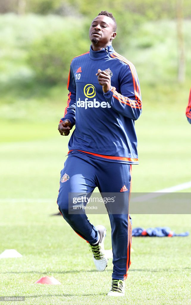 Dame N'Doye warms up during a Sunderland training session at The Academy of Light on May 5, 2016 in Sunderland, England.