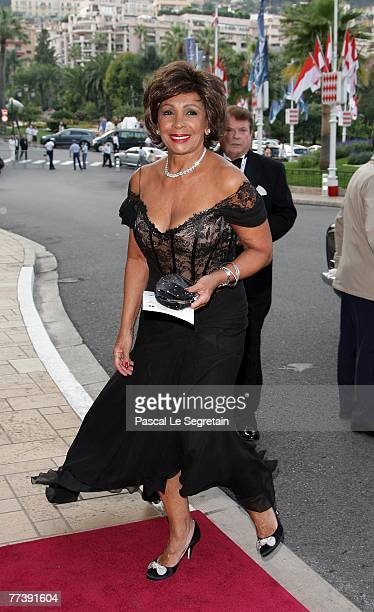 Dame Shirley Bassey attends the 'Unite For A Better World Gala Dinner' on September 2 2007 at the Hotel de Paris in Monte Carlo Monaco The gala...