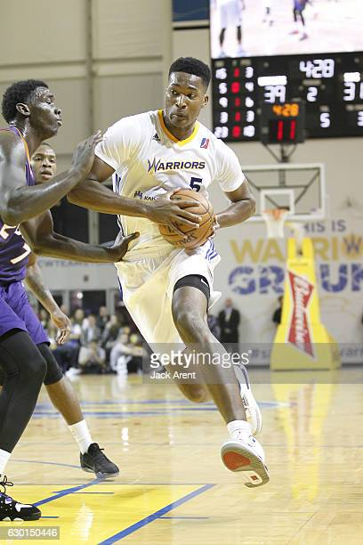 Damian Jones of the Santa Cruz Warriors drives to the basket against the Northern Arizona Suns on December 16 2016 at Kaiser Permanente Arena in...