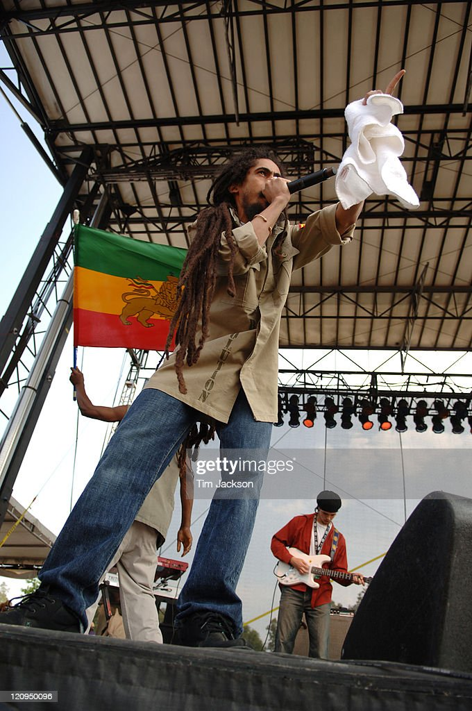 Damian 'Jr. Gong' Marley during Bonnaroo 2006 - Day 2 - Damian 'Jr. Gong' Marley at Which Stage in Manchester, Tennessee, United States.