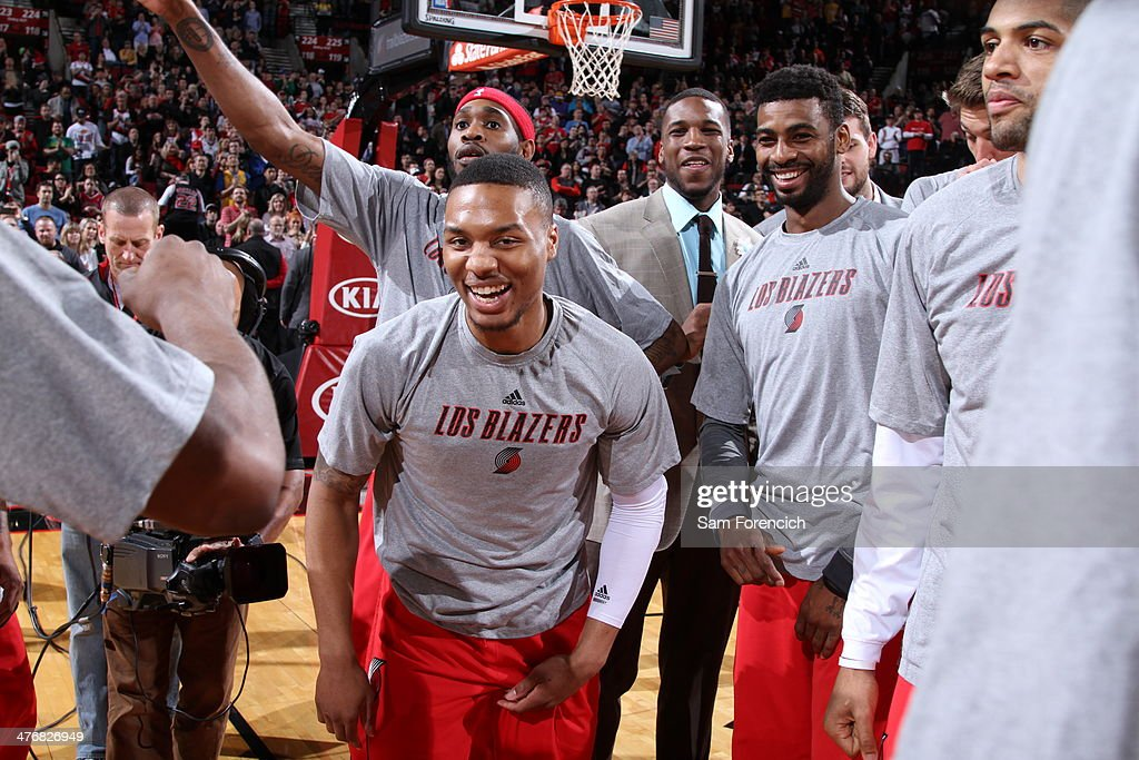 <a gi-track='captionPersonalityLinkClicked' href=/galleries/search?phrase=Damian+Lillard&family=editorial&specificpeople=6598327 ng-click='$event.stopPropagation()'>Damian Lillard</a> #0 of the Portland Trail Blazers huddles his team up against the Los Angeles Lakers on March 3, 2014 at the Moda Center Arena in Portland, Oregon.