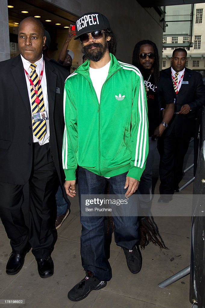 <a gi-track='captionPersonalityLinkClicked' href=/galleries/search?phrase=Damian+Marley&family=editorial&specificpeople=224631 ng-click='$event.stopPropagation()'>Damian Marley</a> sighted at BBC Radio Studios on August 27, 2013 in London, England.