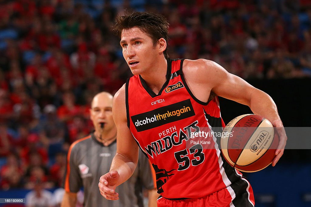 <a gi-track='captionPersonalityLinkClicked' href=/galleries/search?phrase=Damian+Martin+-+Basketball+Player&family=editorial&specificpeople=13687064 ng-click='$event.stopPropagation()'>Damian Martin</a> of the Wildcats brings the ball up the court during the round two NBL match between the Perth Wildcats and the Sydney Kings at Perth Arena in October 18, 2013 in Perth, Australia.