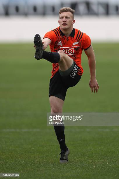 Damian McKenzie of the All Blacks warms up for the New Zealand All Blacks training session at Alexandra Park on September 14 2017 in Auckland New...