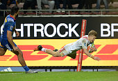 Damian McKenzie of the Chiefs scores a try during the Super Rugby Quarter Final match between the DHL Stormers and Chiefs at DHL Newlands on July 23...