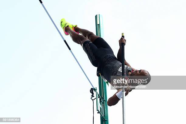 Damian Warner of Canada competes in the Men's Decathlon Pole Vault on Day 13 of the Rio 2016 Olympic Games at the Olympic Stadium on August 18 2016...