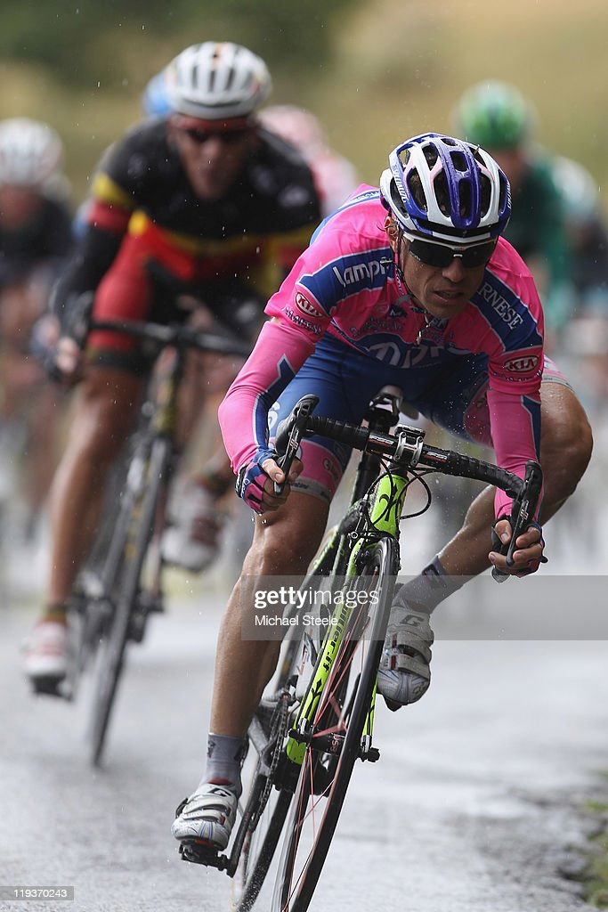 <a gi-track='captionPersonalityLinkClicked' href=/galleries/search?phrase=Damiano+Cunego&family=editorial&specificpeople=546982 ng-click='$event.stopPropagation()'>Damiano Cunego</a> of Italy and Team Lampre-ISD descends from the Col du Manse during Stage 16 of the 2011 Tour de France from Saint Paul Trois Chateaux to Gap on July 19, 2011 in Gap, France.