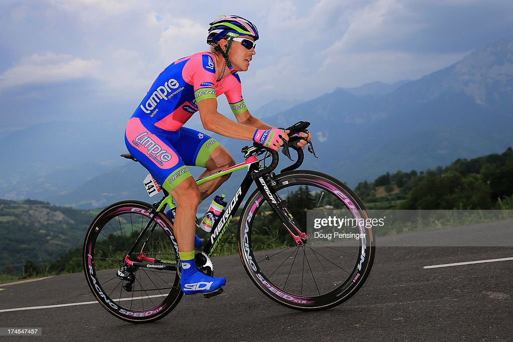 <a gi-track='captionPersonalityLinkClicked' href=/galleries/search?phrase=Damiano+Cunego&family=editorial&specificpeople=546982 ng-click='$event.stopPropagation()'>Damiano Cunego</a> of Italy riding for Lampre-Merida competes during stage seventeen of the 2013 Tour de France, a 32KM Individual Time Trial from Embrun to Chorges, on July 17, 2013 in Chorges, France.