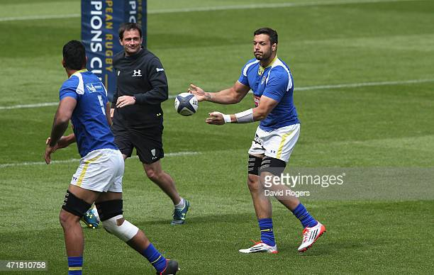 Damien Chouly captain of Clermont Auvergen passes the ball during the Clermont Auvergne captain's run at Twickenham Stadium on May 1 2015 in London...