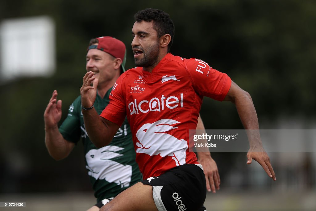 Damien Cook and Alex Johnston race during the South Sydney Rabbitohs NRL training session at Redfern Oval on February 27, 2017 in Sydney, Australia.