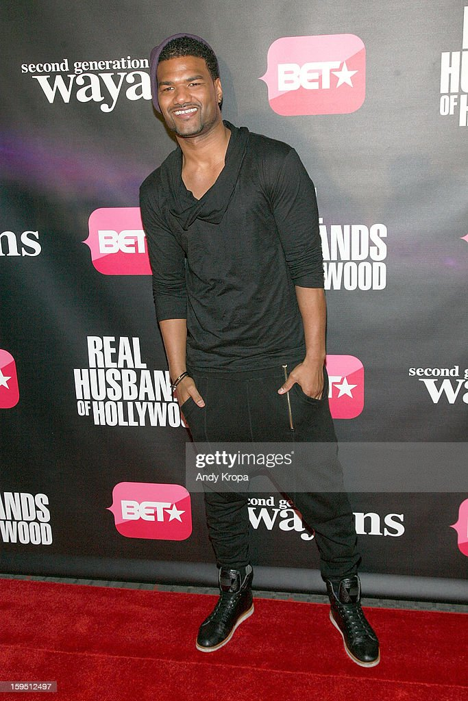 <a gi-track='captionPersonalityLinkClicked' href=/galleries/search?phrase=Damien+Dante+Wayans&family=editorial&specificpeople=764721 ng-click='$event.stopPropagation()'>Damien Dante Wayans</a> attends the 'Real Husbands Of Hollywood' & 'Second Generation Wayans' screening at SVA Theatre on January 14, 2013 in New York City.