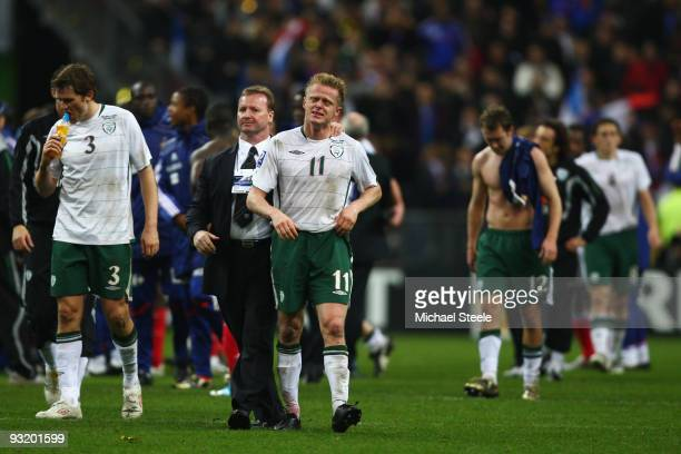 Damien Duff of Ireland is dejected after the 11 draw which saw his team lose 21 on aggregate during the France v Republic of Ireland FIFA 2010 World...