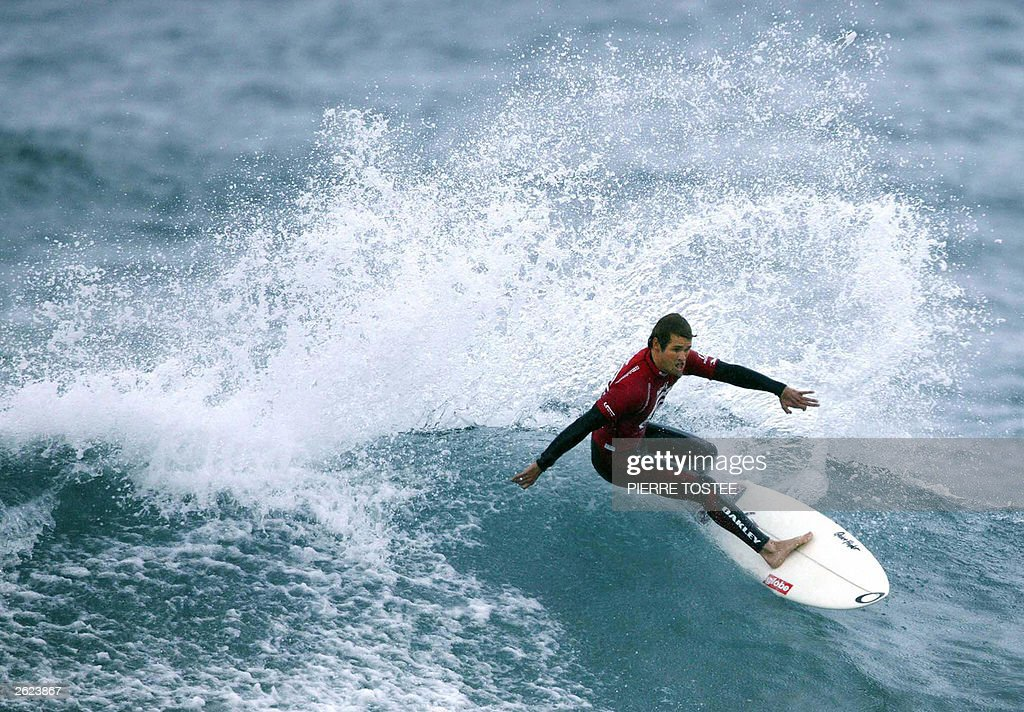 Damien Hobgood of USA advances to round two of the Billabong Pro at Bakio Spain 21 October 2003 Hobgood finished equal 17th and pocketed US$4 000 in...