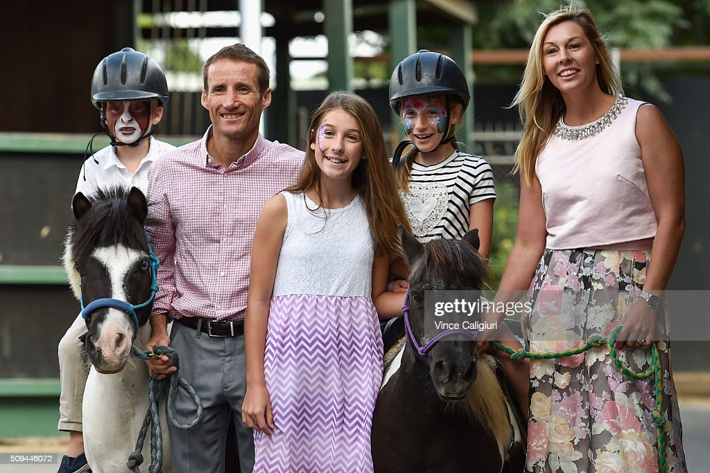 <a gi-track='captionPersonalityLinkClicked' href=/galleries/search?phrase=Damien+Oliver&family=editorial&specificpeople=210504 ng-click='$event.stopPropagation()'>Damien Oliver</a> and wife Trish Oliver pose with children Luke, Niali (ctr) and Zahra during the launch of 'Relaxed Racing' carnival at Caulfield Racecourse on February 11, 2016 in Melbourne, Australia.