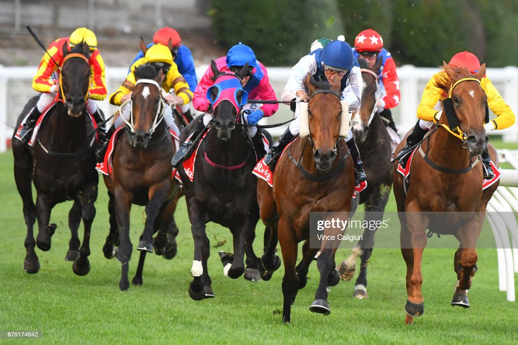 Damien Oliver riding Pearl De Vere defeats Noel Callow riding Masipag (r) in Race 1 during Melbourne Racing at Moonee Valley Racecourse on November 17, 2017 in Melbourne, Australia.