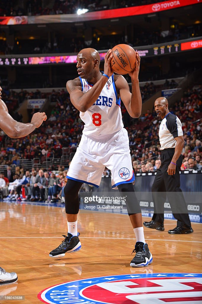 Damien Wilkins #8 of the Philadelphia 76ers drives against the Brooklyn Nets during the game at the Wells Fargo Center on January 8, 2013 in Philadelphia, Pennsylvania.