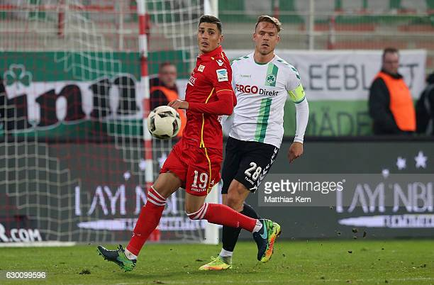 Damir Kreilach of Berlin battles for the ball with Marcel Franke of Fuerth during the Second Bundesliga match between 1 FC Union Berlin and SpVgg...