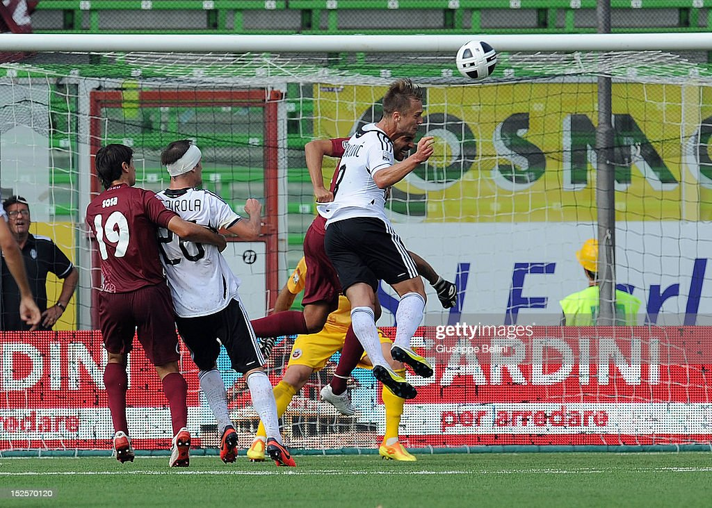 Damjen Djokovic of Cesena scores the opening goal during the Serie B match between AC Cesena and AS Cittadella at Dino Manuzzi Stadium on September...