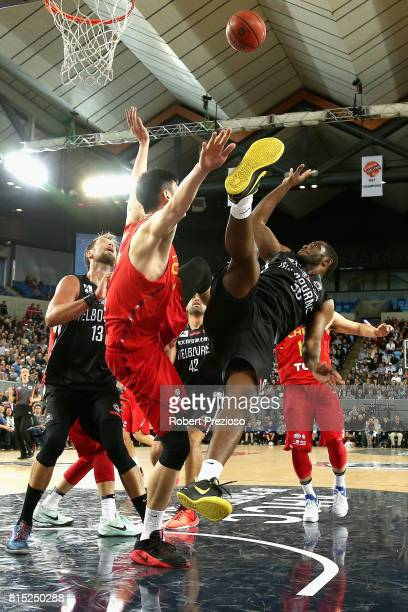 Damon Bozeman of Melbourne United drives to the basket during the match between Melbourne United and China at Melbourne Park on July 16 2017 in...