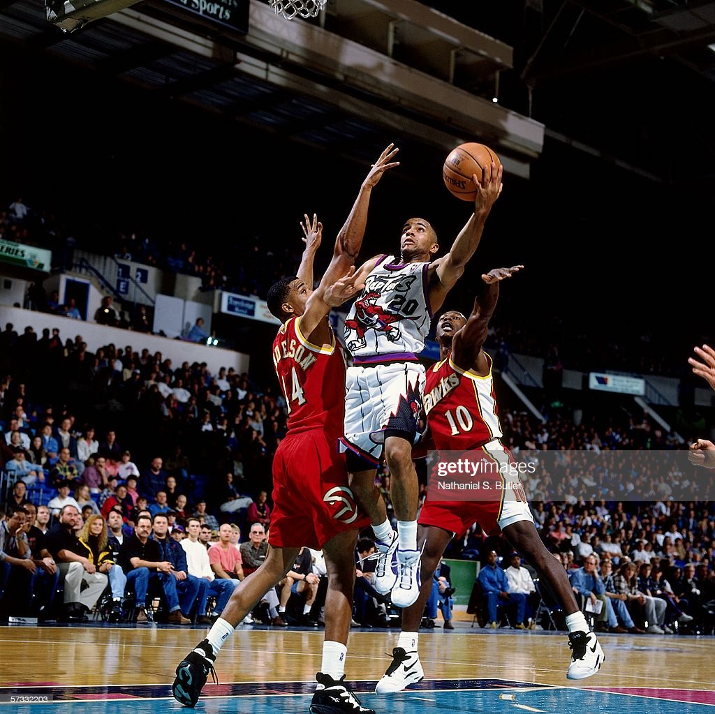 damon-stoudamire-of-the-toronto-raptors-