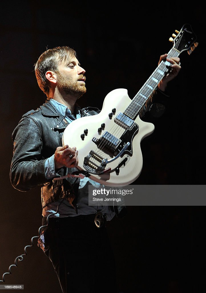 <a gi-track='captionPersonalityLinkClicked' href=/galleries/search?phrase=Dan+Auerbach&family=editorial&specificpeople=2233949 ng-click='$event.stopPropagation()'>Dan Auerbach</a> of The Black Keys performs on Day 2 of Bottle Rock Napa Valley Festival at Napa Valley Expo on May 10, 2013 in Napa, California.