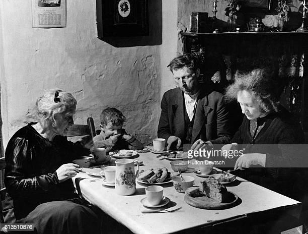 Dan Baker and family eating dinner