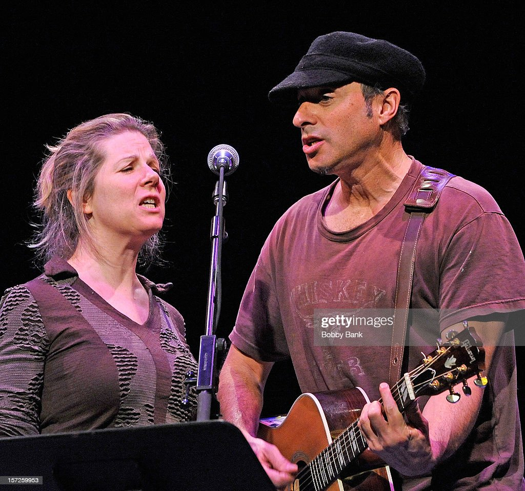 Dan Bern and Dar Williams performs during the 32nd Annual John Lennon Tribute at Symphony Space on November 30 2012 in New York City