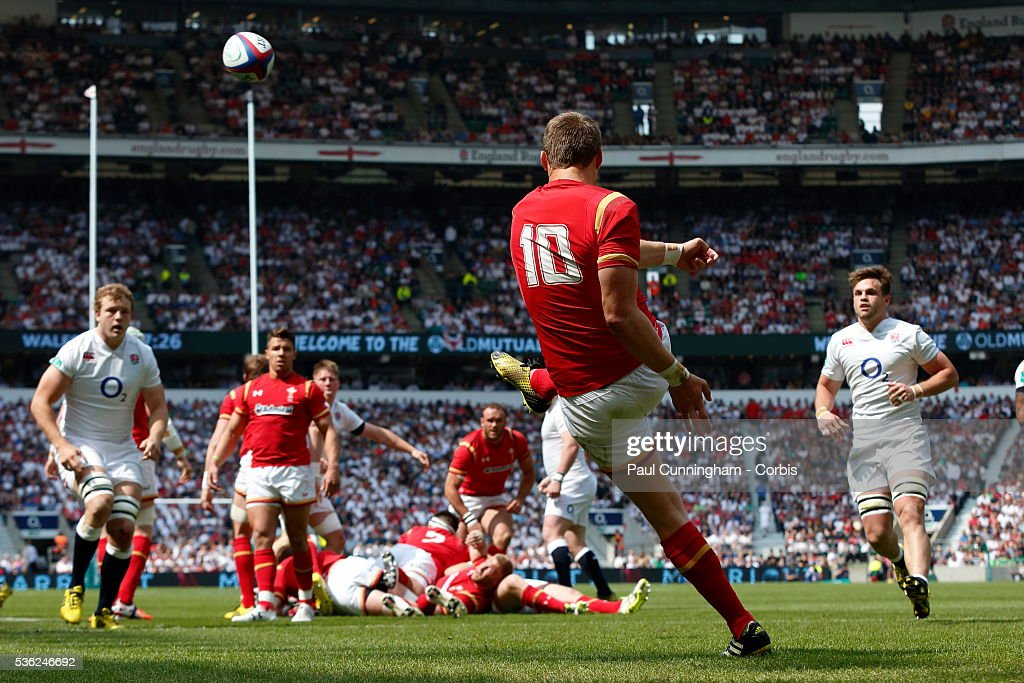 <a gi-track='captionPersonalityLinkClicked' href=/galleries/search?phrase=Dan+Biggar&family=editorial&specificpeople=5607224 ng-click='$event.stopPropagation()'>Dan Biggar</a> of Wales kicks the ball upfield during the Old Mutual Wealth Cup between England and Wales at Twickenham Stadium on May 29, 2016 in London, England.