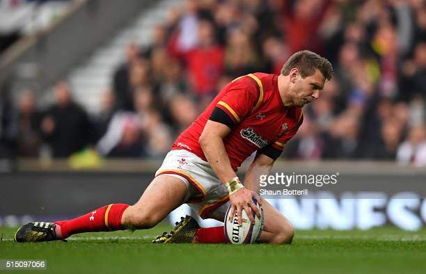 Dan Biggar of Wales scores his team's opening try during the RBS Six Nations match between England and Wales at Twickenham Stadium on March 12 2016...