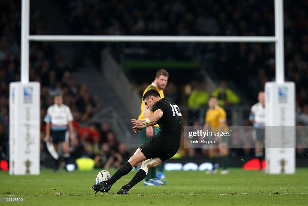 <a gi-track='captionPersonalityLinkClicked' href=/galleries/search?phrase=Dan+Carter+-+Rugby+Player&family=editorial&specificpeople=171299 ng-click='$event.stopPropagation()'>Dan Carter</a> of New Zealand kicks a penalty during the 2015 Rugby World Cup Final match between New Zealand and Australia at Twickenham Stadium on October 31, 2015 in London, United Kingdom.