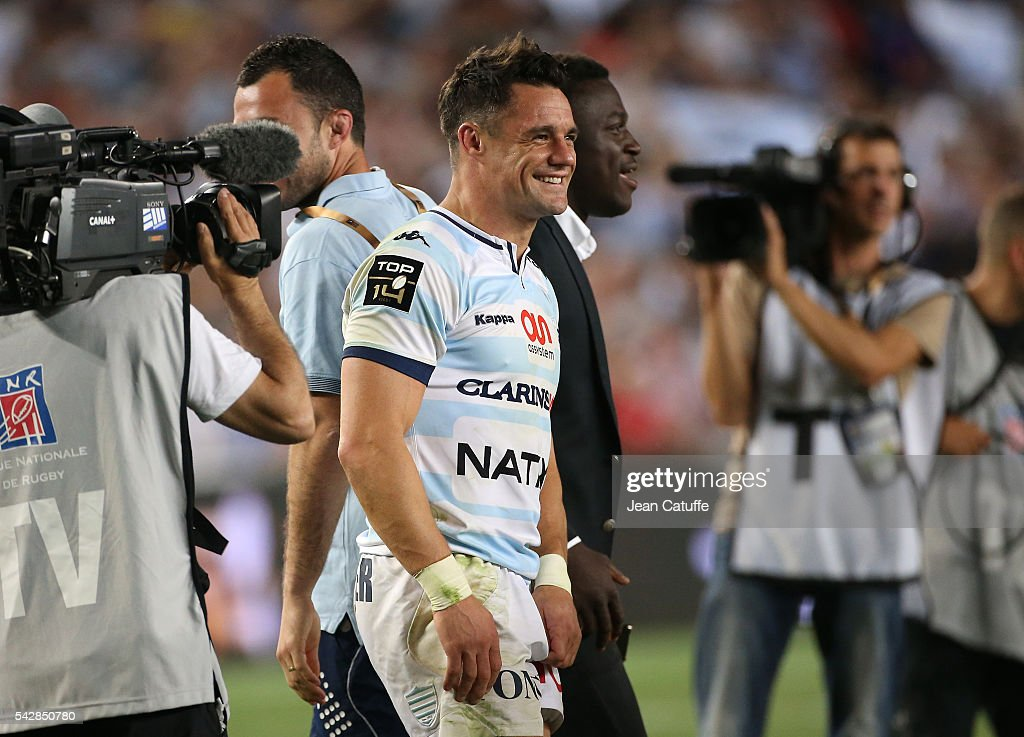 <a gi-track='captionPersonalityLinkClicked' href=/galleries/search?phrase=Dan+Carter+-+Rugby+Player&family=editorial&specificpeople=171299 ng-click='$event.stopPropagation()'>Dan Carter</a> of Racing 92 celebrates winning the Final Top 14 between Toulon and Racing 92 at Camp Nou on June 24, 2016 in Barcelona, Spain.