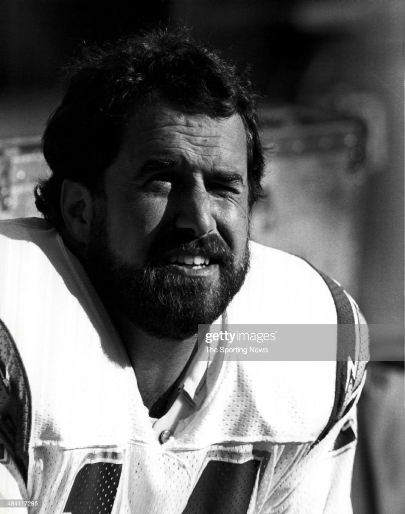 <a gi-track='captionPersonalityLinkClicked' href=/galleries/search?phrase=Dan+Fouts&family=editorial&specificpeople=228594 ng-click='$event.stopPropagation()'>Dan Fouts</a> of the San Diego Chargers looks on circa 1980s.