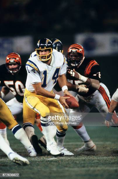 Dan Fouts San Diego Chargers / Cincinnati Bengals gameplay on 'Monday Night Football'